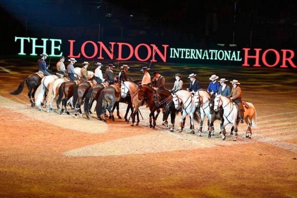"Cavaleiros portugueses considerados as ""estrelas"" do The London International Horse Show"